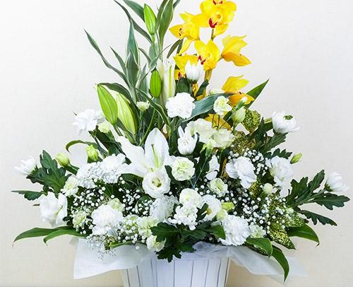 お悔み・お供えのお花「アレンジメント」画像
